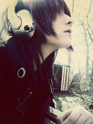 hipster-big-headphones1
