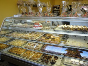 eiselen-pastry-shelf
