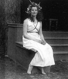 Bryn Mawr student Katherine Hepburn at May Day